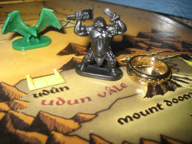 Risk The Lord Of The Rings Trilogy Edition - The One Ring Is Cast Into Mount Doom